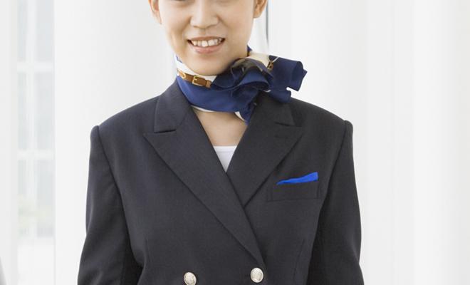 [転職体験談] 生保から航空会社の客室乗務員(CA)に転職した女性 - その成功の秘訣は?